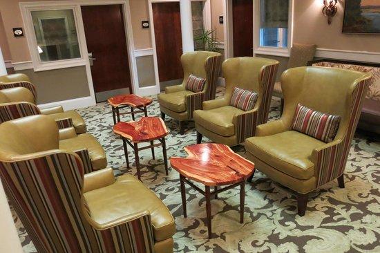 Andrew Pinckney Inn: Main lobby