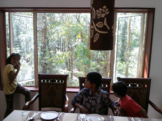 Spice Grove Hotels And Resorts: The Restaurant