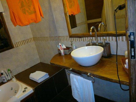 La Aldea de la Selva Lodge: baño