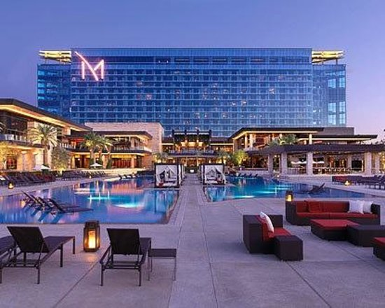 M Resort Spa Casino : pool area