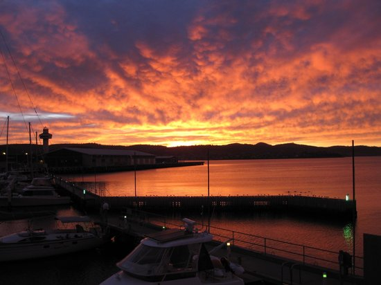 Somerset on the Pier Hobart: Gorgeous Sunrise