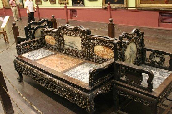 Chhatrapati Shivaji Maharaj Vastu Sangrahalaya: Chairs