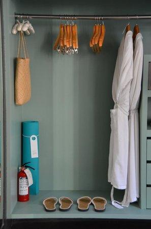 COMO Uma Ubud: Water Garden Rooms (#17) bathroom closet