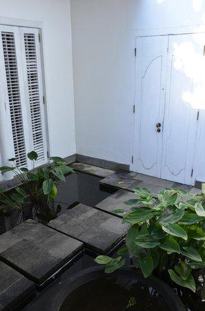 COMO Uma Ubud: Water Garden Rooms (#17) view of entry to courtyard