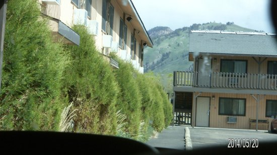 Best Western By Mammoth Hot Springs: Mountain view rooms