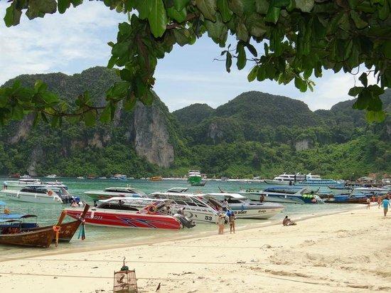 Zeavola Resort : The Touristy side of the island ...