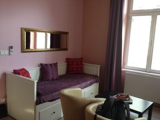 Royal Court Apartments : номер после уборки