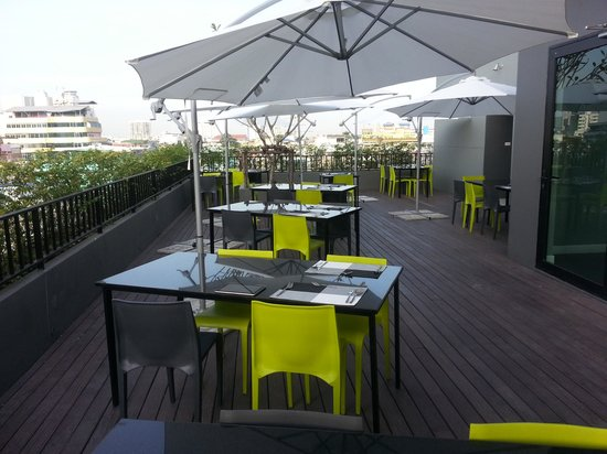 iSanook Residence : Roof Top Restaurant