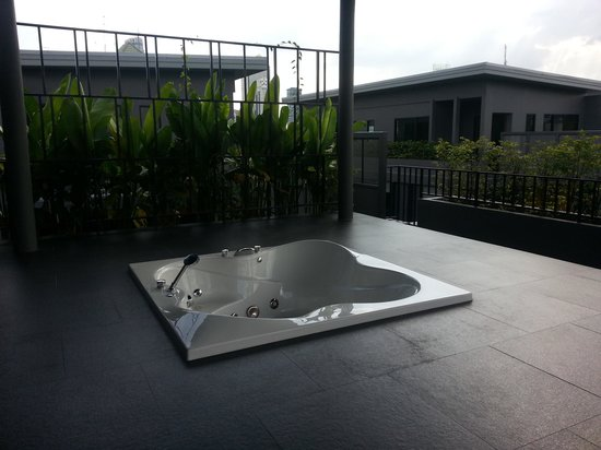 iSanook Residence: Roof Top Jacuzzi