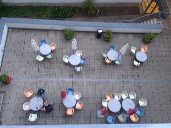 Kolpinghaus Wien-Zentral : Вид с балкона на террасу