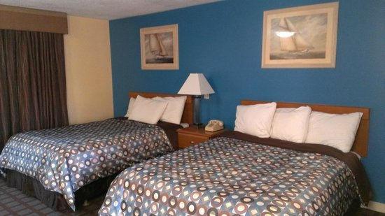 Blue Dolphin Inn: comfortable beds