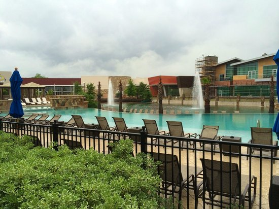 Wind Creek Casino & Hotel, Atmore: Multi level pool with cabanas, bar & grill & fountains.