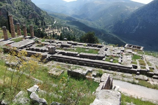 George's Taxi : Delphi, Greece