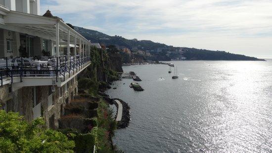 Hotel La Residenza: vista y desayunador