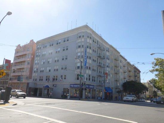 Regency Hotel: the hotel