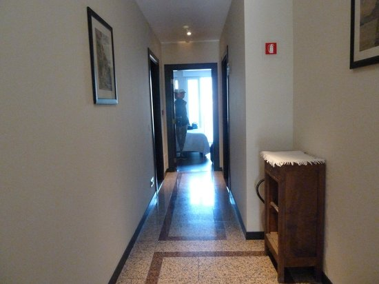 Hotel Silvio: hallway