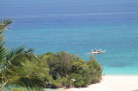 Alargo Villa Residence: the beach in front of the Villas