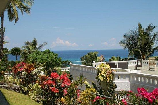 Alargo Villa Residence: inside vila area