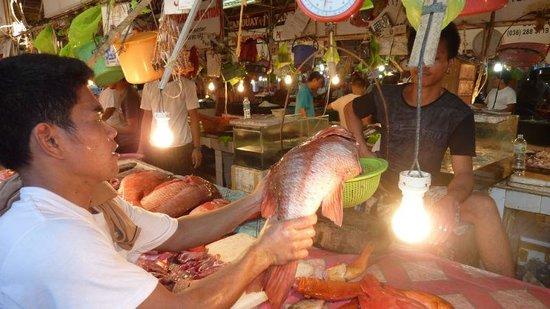 Alargo Villa Residence: at Talipapa Fish market