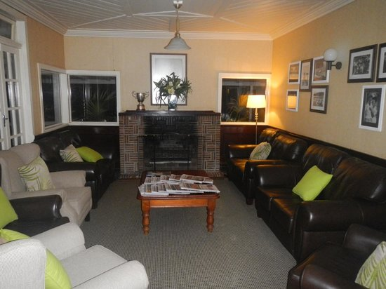 Pinetrees Lodge: Lounge area