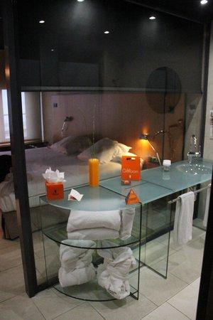 Barcelona Princess: Chambre vue depuis la salle de bains