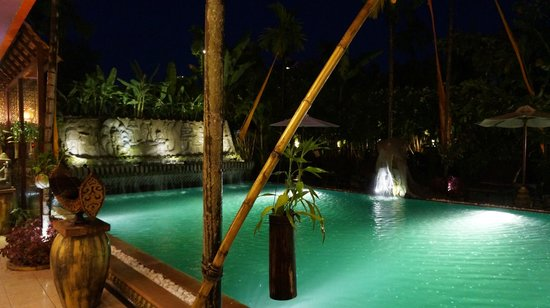 Golden Temple Hotel : hotel pool