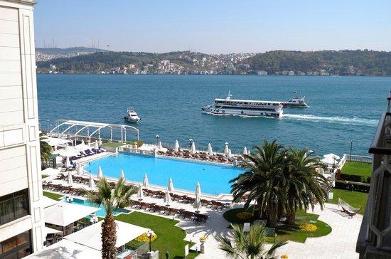 Ciragan Palace Kempinski Istanbul : The view