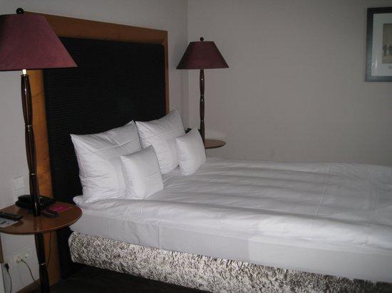 Anna Hotel: ベッド