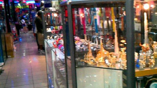 Karama Market: antiques