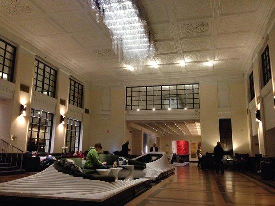 Stewart Hotel: Main lobby