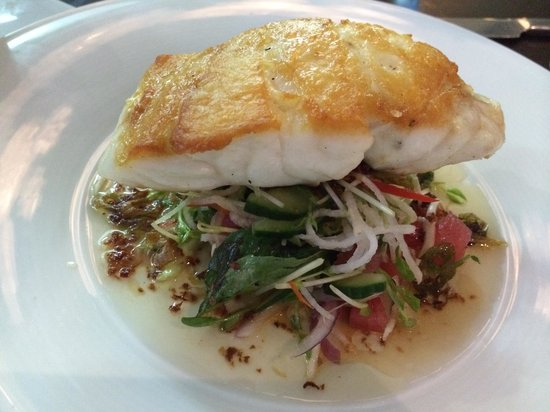 2 Fish Restaurant: Coral trout fillet with Asian salad - a must-try!