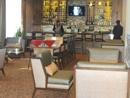 DoubleTree by Hilton Hotel Flagstaff: well-stocked bar