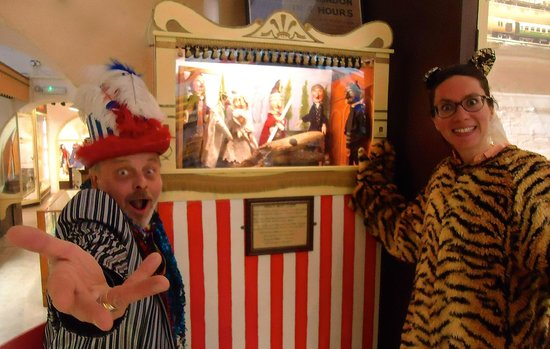 Brighton Toy and Model Museum: Storyteller and Punch and Judy, with Tigery-Bunting children's character