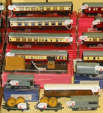 Brighton Toy and Model Museum: TRAINS!