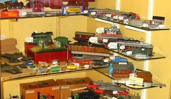 Brighton Toy and Model Museum: A corner display -  come and see what it is!