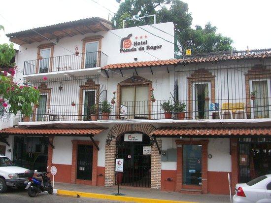 Hotel Posada de Roger: front of hotel