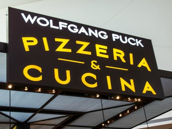 Cucina By Wolfgang Puck : Sign