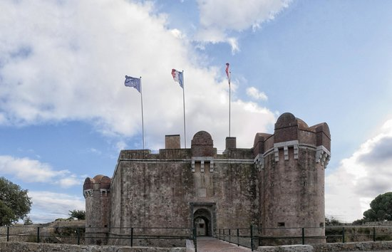 Citadelle de Saint-Tropez - Musee d'histoire maritime: la citadelle