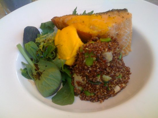 The Lily Pad Cafe: salmon, quinoa salad & creamy mashed pumpkin