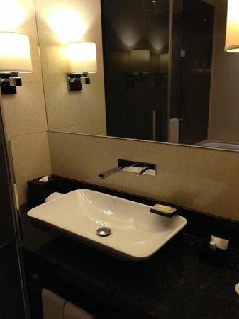 Sheraton Grand Incheon Hotel : sink