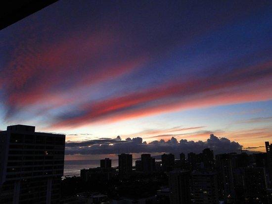 Aqua Skyline at Island Colony: Zachód słońca