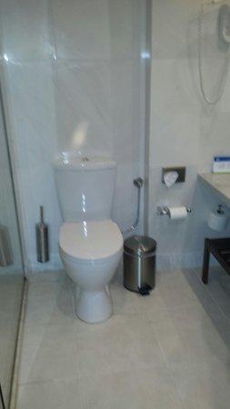 Kontokali Bay Resort and Spa: Bath