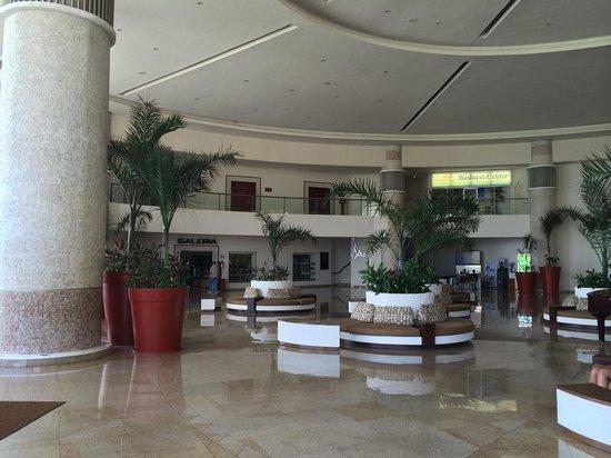 Great Parnassus Family Resort: Lobby - Recepción