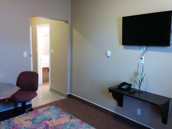 Bonnyville Hotel: Single Room