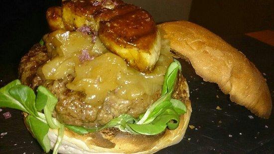 B Burger: B-Dalí