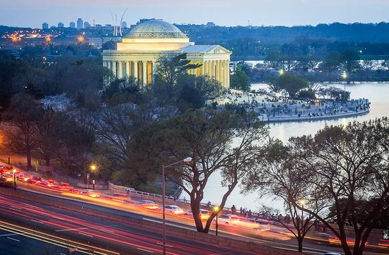 Mandarin Oriental, Washington DC: The view of the Jefferson Memorial and the Tidal Basin outside of my window