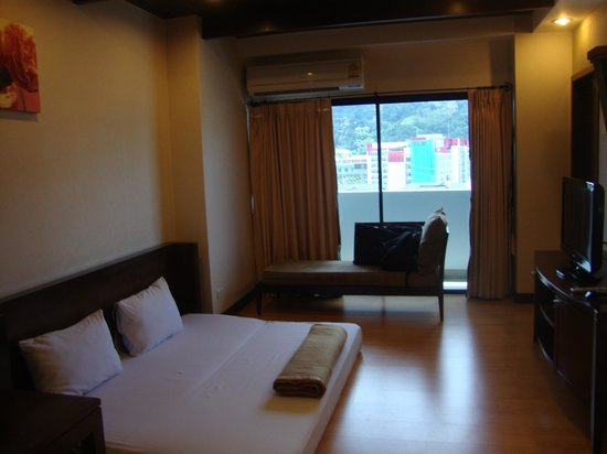 Patong Tower Holiday Rentals: TV ROOM