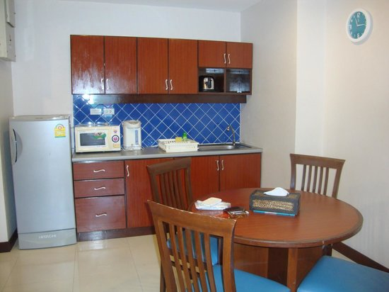 Patong Tower Holiday Rentals: KITCHEN