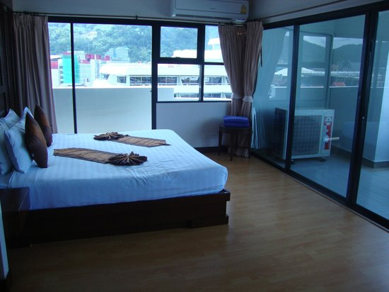 Patong Tower Holiday Rentals: BED ROOM