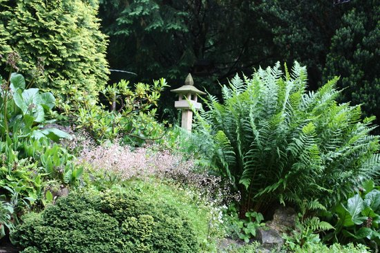 Pension Vetrnik: Beautiful gardens